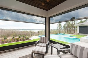 Read more about the article How To Choose A Retractable Patio Screen Door