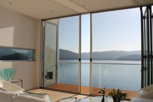 Why You Should Be Thinking About A Retractable Screen Now