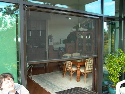 The Perfect Solution To An Old Problem – A Retractable Sliding Door Screen