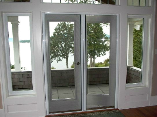 What is a Retractable Screen Door ?